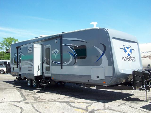 highlander 31rgr by open range 2 bedroom travel trailer with rear