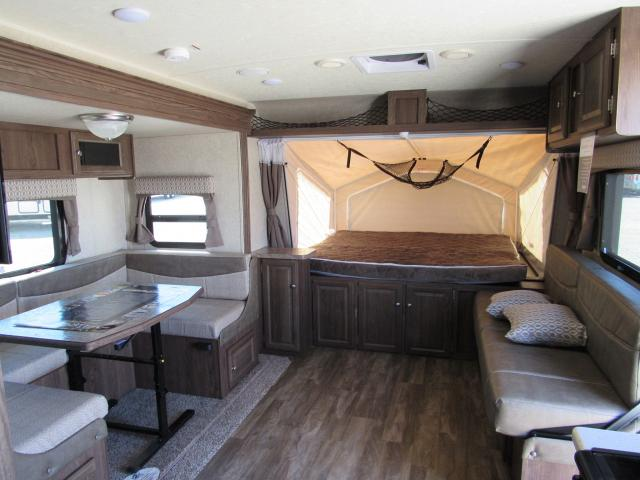 2017 Flagstaff Shamrock 233S Hybrid Trailer with 3 Tent Beds and Slide-out
