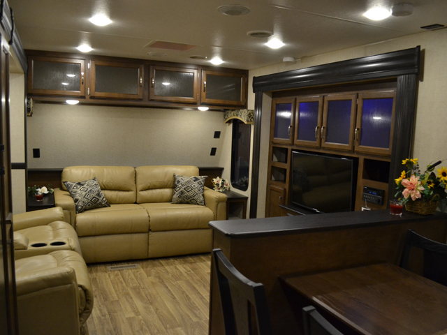 2017 sport trek touring edition 333vfl front living room - Front living room travel trailers ...