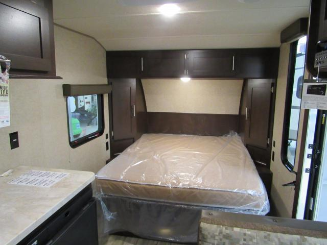 2017 Wolf Pup 16FQ Light Weight Travel Trailer