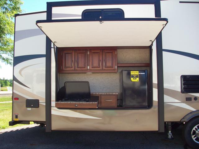 New 2017 Wildcat 363rb Fifth Wheel Bunkhouse With 2 Bath