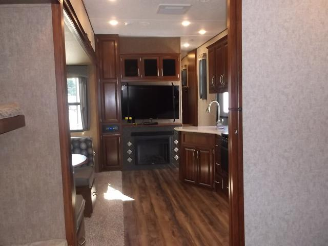 New 2017 wildcat 363rb fifth wheel bunkhouse with 2 bath for 2 bathroom 5th wheel