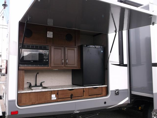 Travel Trailers With Outdoor Kitchens 28 Images Small