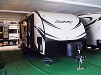 2017 Sonic 220VBH Light Weight RV Travel Trailer with Bunks
