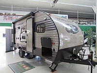 2017 Wolf Pup 16BHS Light Weight Travel Trailer with Bunks