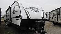 2018 Highland Ridge Open Range Ultra Lite UT3310BH Bunkhouse with 1 1/2 Bath and Outside Kitchen