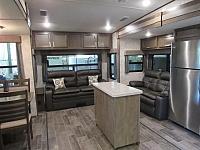 2018 Open Range Roamer 337RLS Rear Living 5th Wheel with Kitchen Island