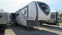 2018 Highland Ridge Open Range 371MBH 5th Wheel with 2 Bedrooms and Loft