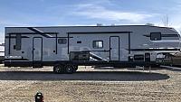2019 Cherokee Wolf Pack 365PACK16 5th Wheel Toy Hauler