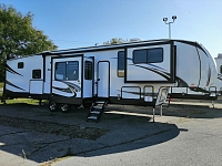 New 2020 Sabre 37FLH Front Living Room 5th Wheel with Outdoor Kitchen