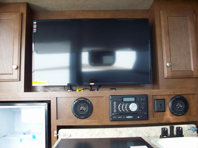 Travel Trailer With Triple Slide Outs