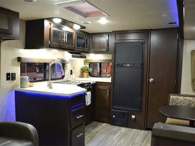 2017 cherokee 274rk rear kitchen travel trailer rh asrvs com travel trailers with rear kitchen floor plans travel trailers with rear kitchens for sale