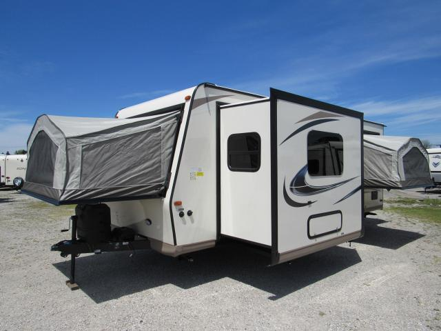 2017 Flagstaff Shamrock 233s Hybrid Trailer With 3 Tent