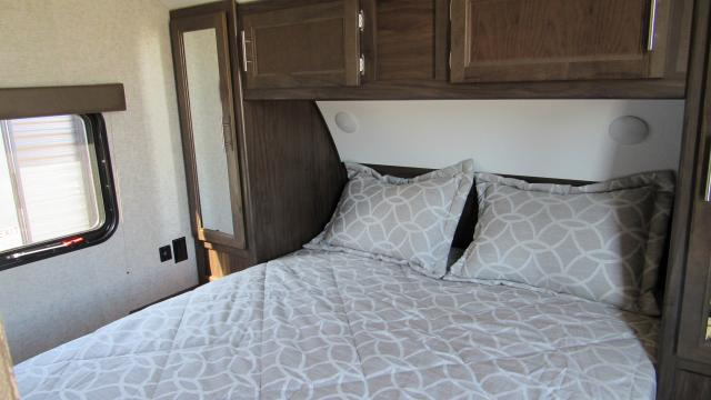 2018-Cherokee-Grey-Wolf-23DBH-Camping-Trailer-with-Bunk-Beds-N5178-27517.jpg