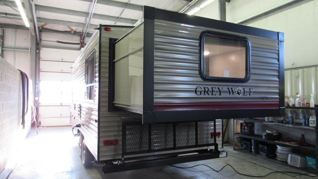 2018 Grey Wolf 19SM Rear Queen Bed Slide w/2nd Queen Bed up Front Travel Trailer