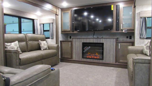 Amazing 2018 Highland Ridge Open Range 370RBS Front Living With Rear King Bed Fifth  Wheel