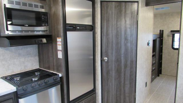 2018-Highland-Ridge-Open-Range-Ultra-Lite-UT3310BH-Bunkhouse-with-1-1-2-Bath-and-Outside-Kitchen-N5343-30668.jpg
