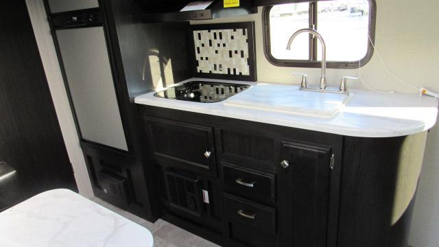 2018 Sonic 190VRB Rear Bath w/Murphy Bed