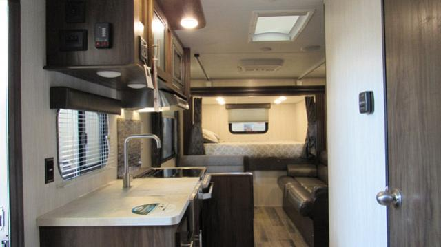 2019-Cherokee-Grey-Wolf-19SM-Travel-Trailer-with-Two-Queen-Beds-N5792-39728.jpg