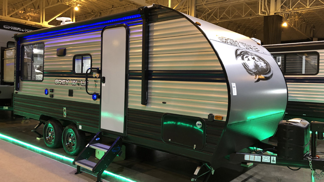 2019-Cherokee-Grey-Wolf-19SM-Travel-Trailer-with-Two-Queen-Beds-N5792-39755.jpg