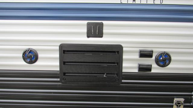 2019 Cherokee Grey Wolf 27rr Toy Hauler Trailer With