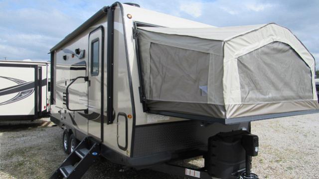 2019 Flagstaff Shamrock 21SS Light Weight Hybrid Trailer with Double Tent Beds