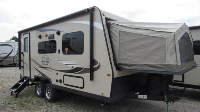2019 Flagstaff Shamrock FLT19 Hybrid Trailer with Two Tent Beds