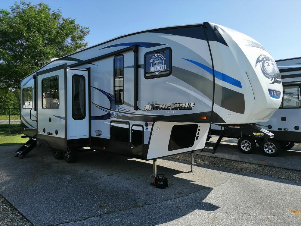 Forest River Cherokee >> 2019 Forest River Cherokee Arctic Wolf 305ml6 5th Wheel Rear Kitchen Model
