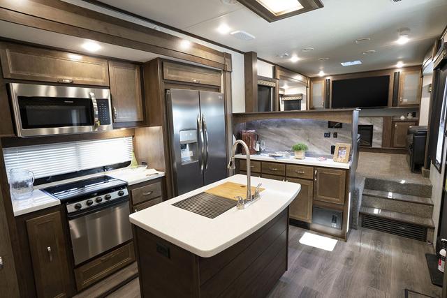 Good 2019 Highland Ridge 373RBS Open Range Front Living Room 5th Wheel