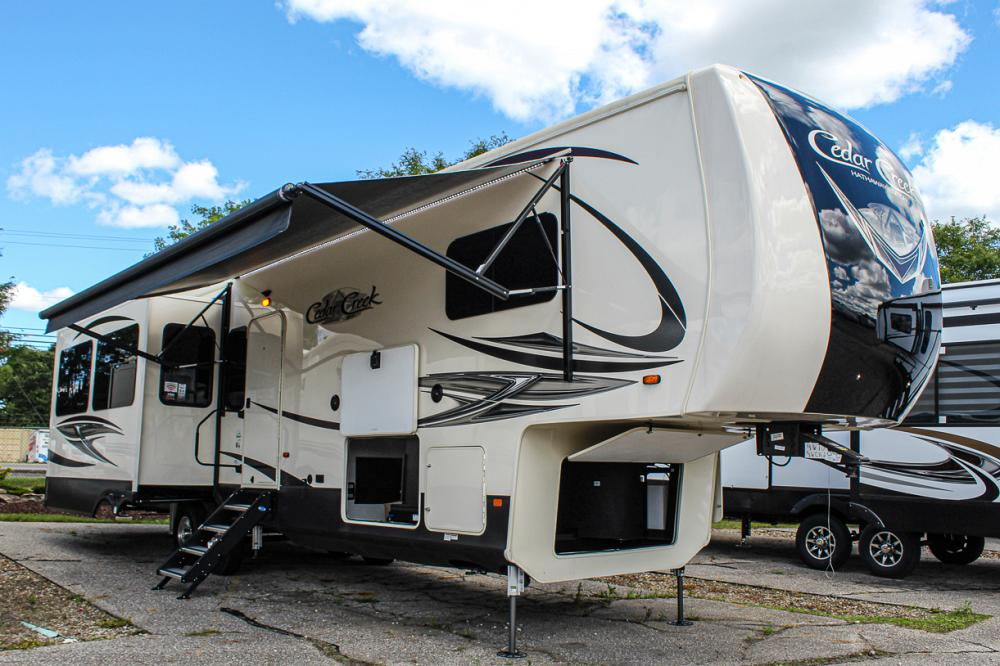 Cedar Creek Hathaway 36CK2 5th Wheel