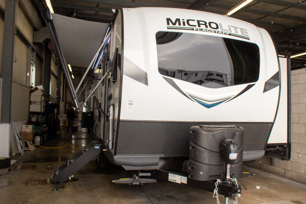 2021 Flagstaff Micro Lite 25FKS Camping Trailer with Front Kitchen