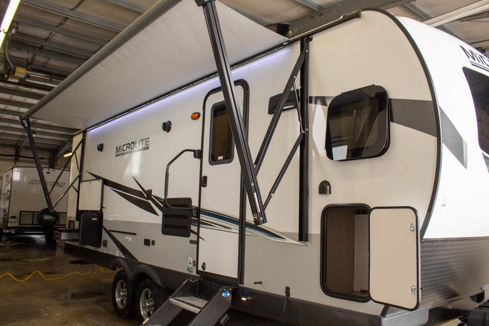 Flagstaff Micro Lite 25FKS Camping Trailer