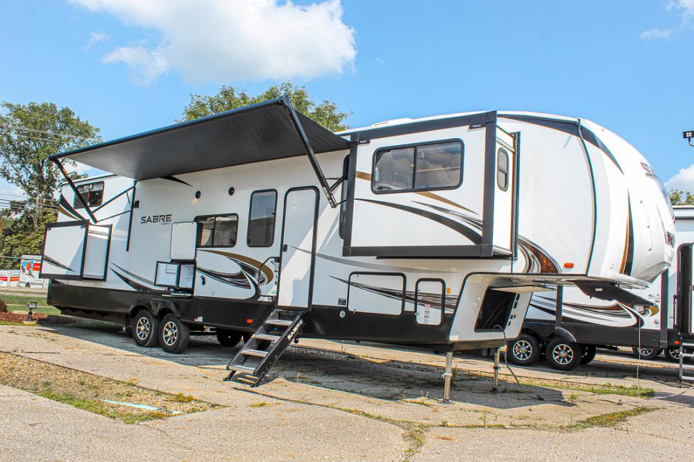 Forest River Sabre 37FLL 5th Wheel
