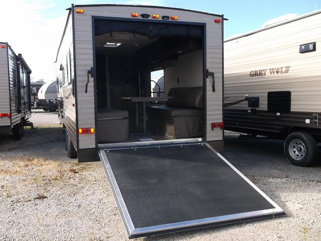 cabinet bed 2016 grey wolf hauler 26rr with front bed 12762