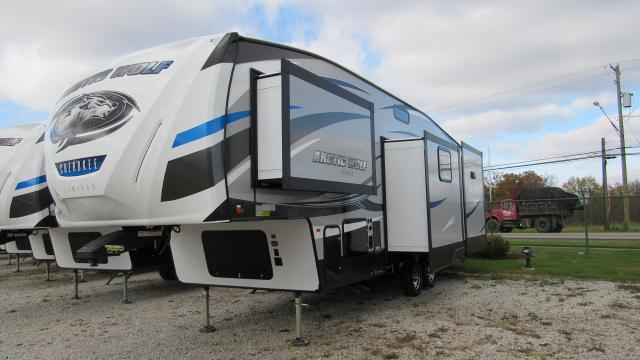 New 2018 Cherokee Arctic Wolf 295QSL8 Bunkhouse with Loft 5th Wheel