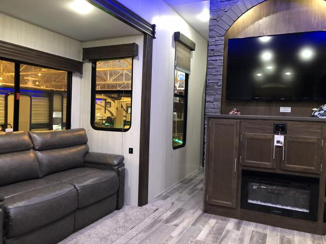 New 2019 Cherokee 39SR Destination Trailer with Loft and King Bed