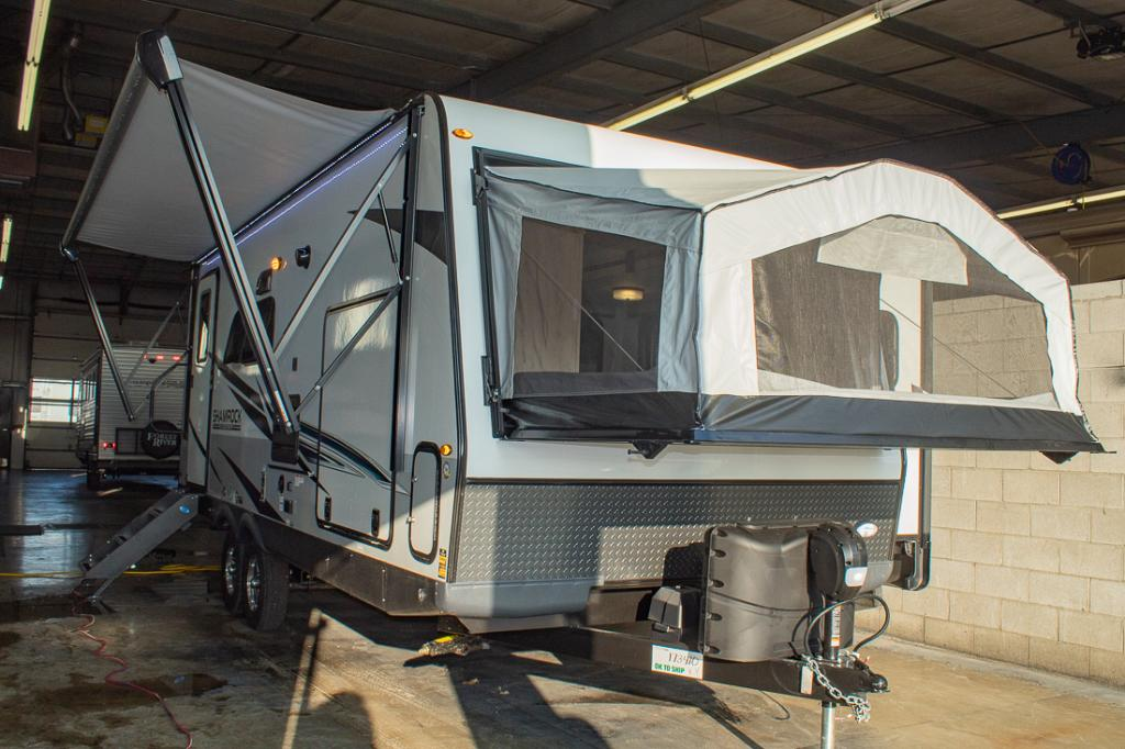 New 2021 Flagstaff Shamrock 235S Hybrid Camper with Outdoor Kitchen