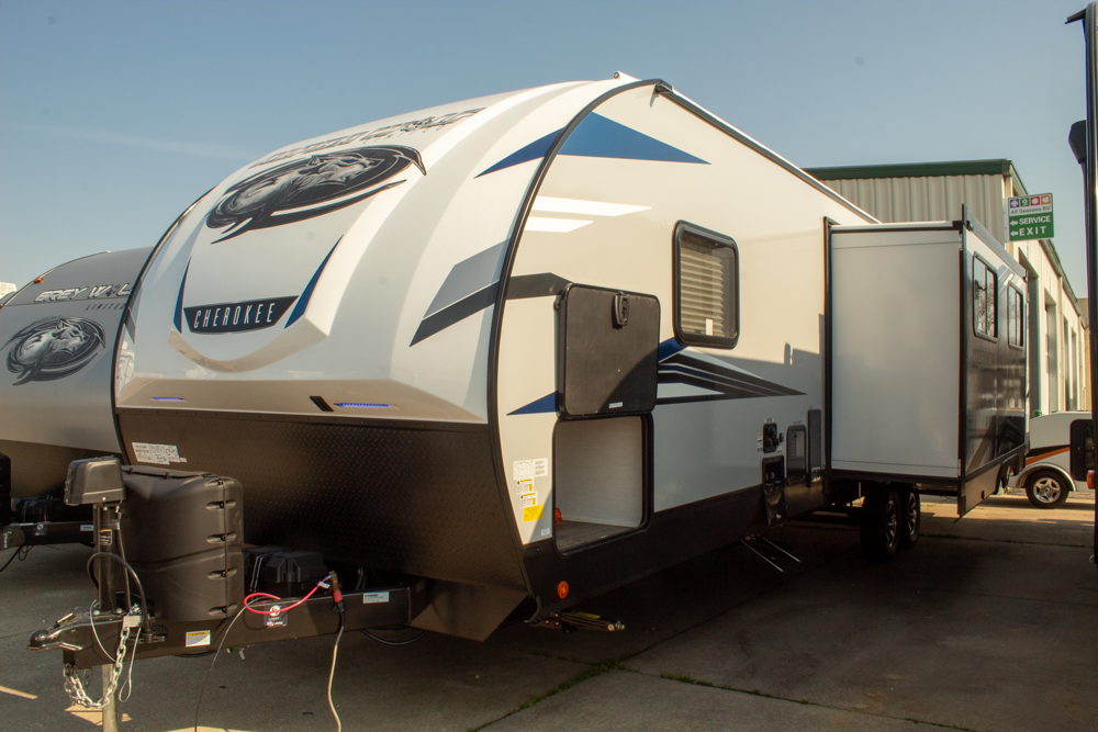 New 2022 Cherokee Alpha Wolf 33BH-L Bunkhouse Travel Trailer with 1.5 Baths and Outdoor Kitchen
