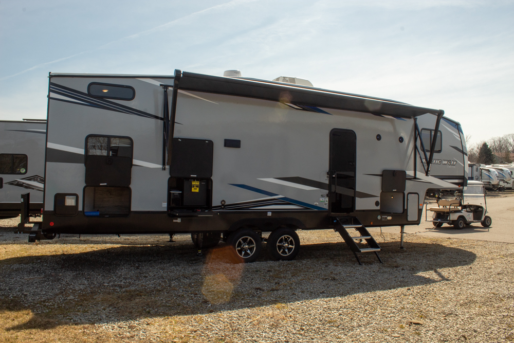 New 2022 Cherokee Arctic Wolf 287BH 5th Wheel with Bunks and Outside Kitchen