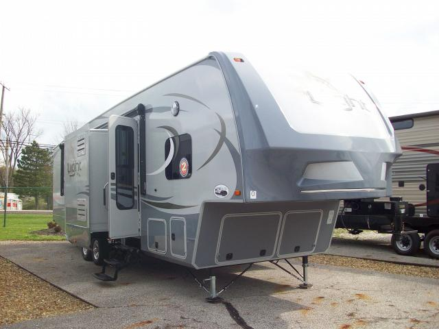 Half Ton Towable Fifth Wheels >> Open Range Light 295fbh Half Ton Towable 5th Wheel With Front Bunkhouse