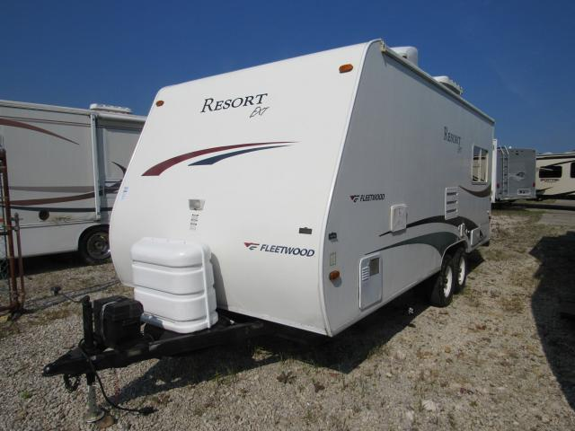 Used 2005 Fleetwood Resort 23BH Rear Slideout Bunkhouse