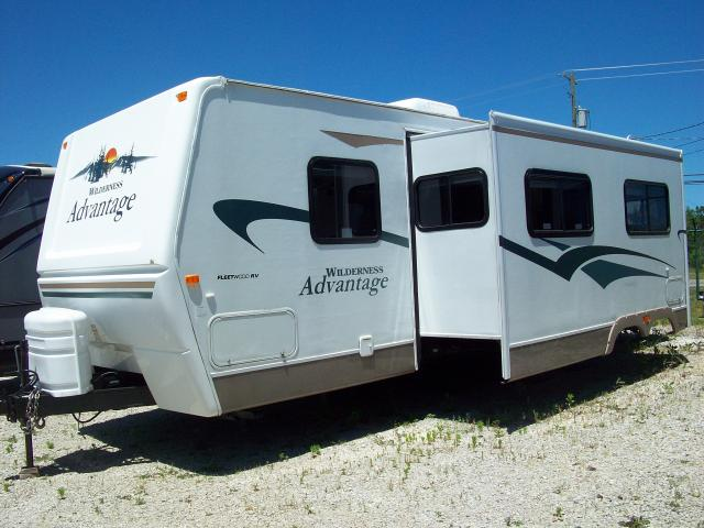 Used 2005 Fleetwood Wilderness Advantage 290FQSG Travel Trailer with