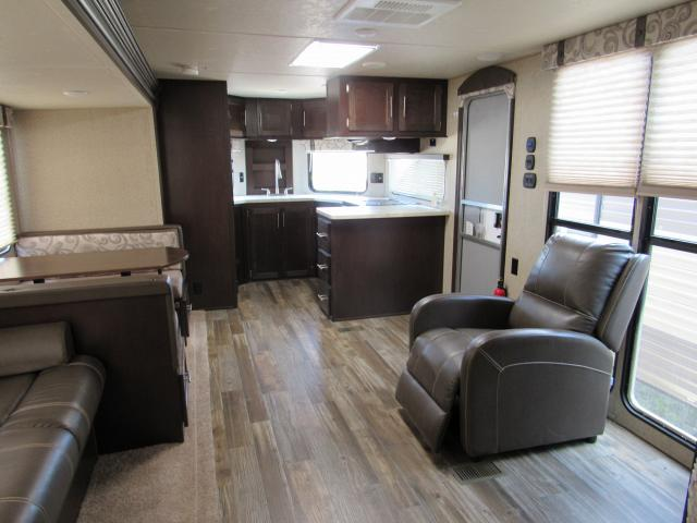 Used 2017 Cherokee 274vfk V Nose Front Kitchen With Rear Queen Bedroom