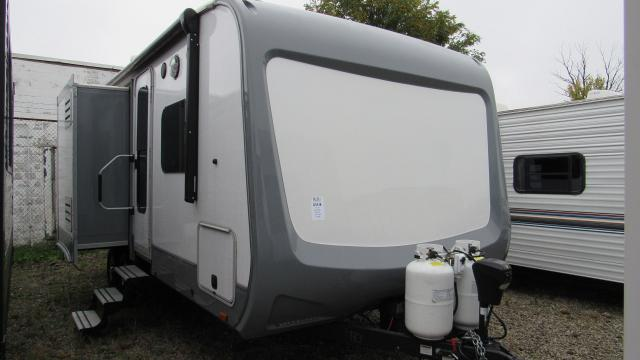 Used 2017 Open Range Light 216rbs Rear Bath 4 Season