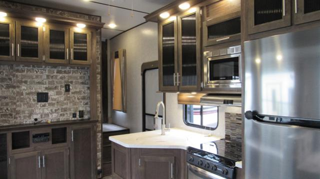 Used 2018 Cherokee Arctic Wolf 315TBH8 5th Wheel with Bunks, 1.5 Baths and Outdoor Kitchen